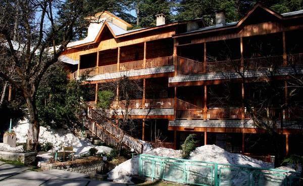 Hotel Mayflower in Manali, Himachal Pradesh